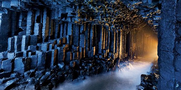 【フィンガルの洞窟】ドラクエに出てきそうな冒険心をくすぐられる洞窟