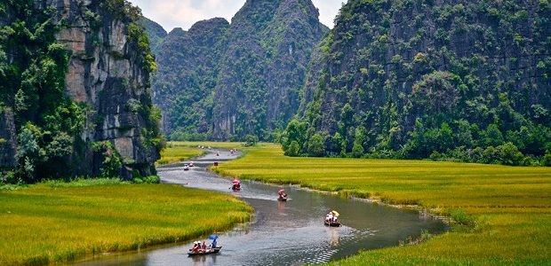 【ホアルー・タムコック】水墨画の様な雄大な景色が広がるベトナムの景勝地