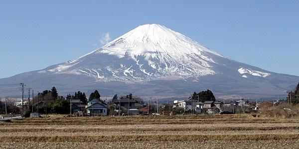 【富士山】300年寝太郎の日本の象徴