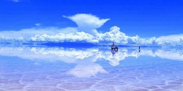 【ウユニ塩湖】天空の鏡と呼ばれる絶景が広がる世界一平らな塩湖