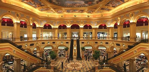 高級ホテルのようなカジノ画像