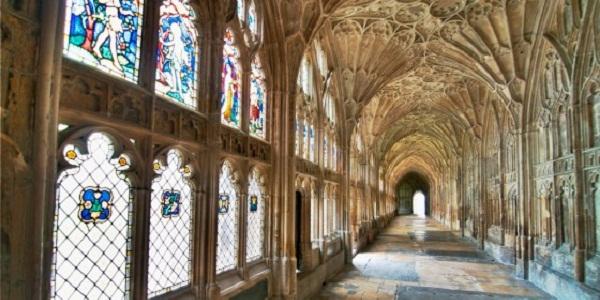 【グロスター大聖堂】ハリポタの魔法学校のロケ地としても使われた大聖堂