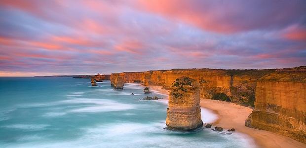 【グレートオーシャンロード】海岸沿いに広がる絶景の岩々「12使徒」