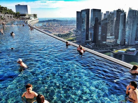 - Singapur skyline pool ...