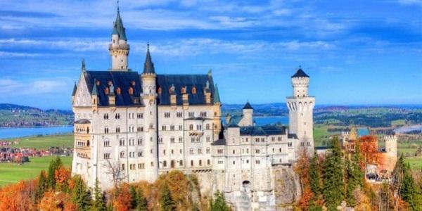 【ノイシュヴァンシュタイン城】本家ディズニーランドの城のモデルとなった豪華な城