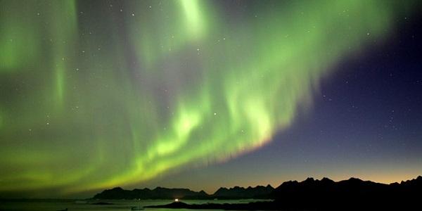 【グリーンランド】夜空をオーロラが彩る氷に包まれた世界最大の島